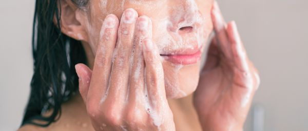 10 Tiny Mistakes You're Making While Washing Your Face