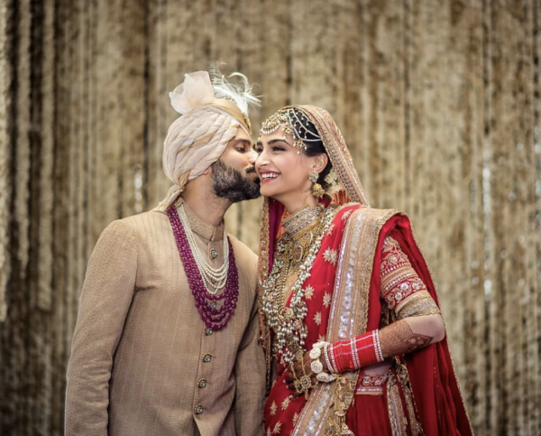Sonam Kapoor with his husband on her wedding day picture