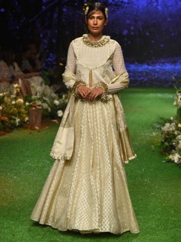 OGAAN - online shopping for wedding dresses in india