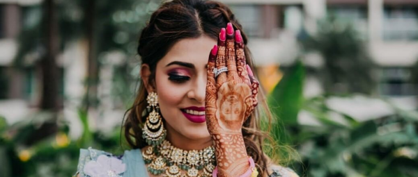 Planning A Year-End Wedding? 8 Fun Mehendi Favours To Choose From While In Quarantine!