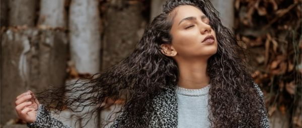 Let Your Hair Down: Here's An Easy-Peasy Recipe To Make Your Own Hair Serum