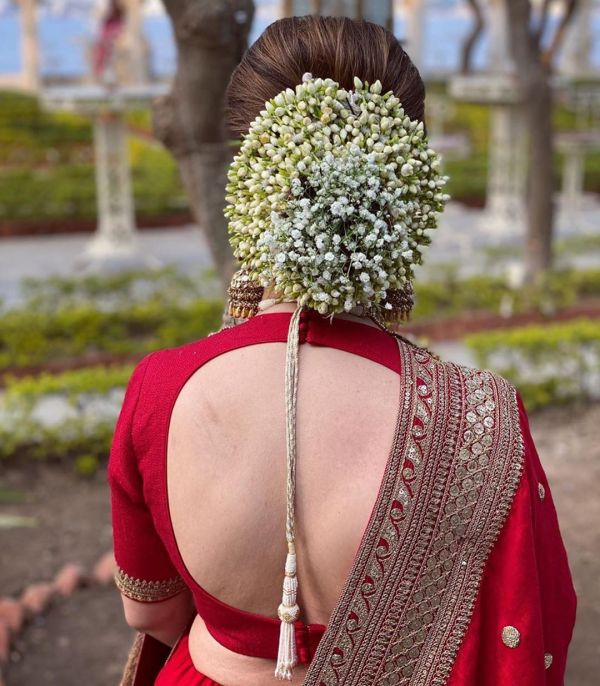 Covered Bun Gajra hairstyle image