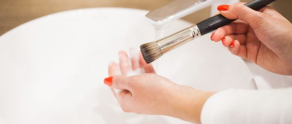 Celebrity MUA Namrata Soni On How To Sanitize Your Makeup Products & Brushes