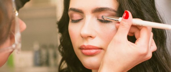 Sparkle On! Here's How To Make Your Own Shimmery Liquid Eyeshadow At Home