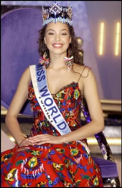 Azra Akın was crowned the title of miss world 2002