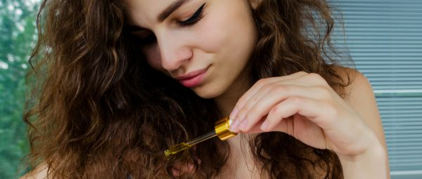 Happy Hair Fix: This DIY Anti-Frizz Serum Will Breathe New Life Into Your Curly Hair