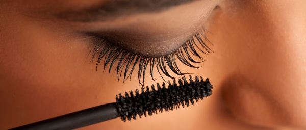 6 Ways Your Old Mascara Wand Can Still Be Of Great Use To You!