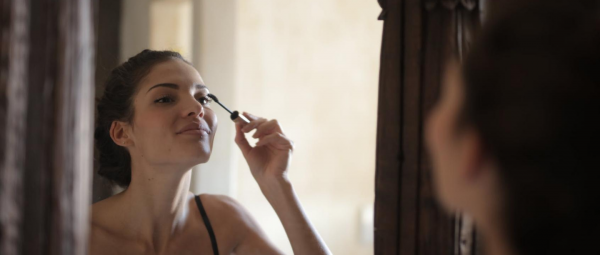Mini But Mighty: Why You Should Use A Travel-Sized Mascara Instead Of The Full Tube