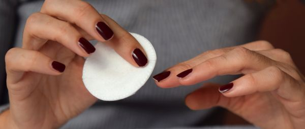Acetone Vs Non-Acetone Nail Polish Removers: What's Better For Your Nails, Let's Find Out!