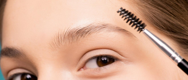 Eyebrow Gel 101: What Is It, How Do You Use It & Do You Really Need It?
