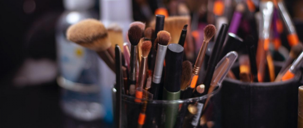 Makeup Brushes 101: Your Guide To Decode Each And Every One Out There!
