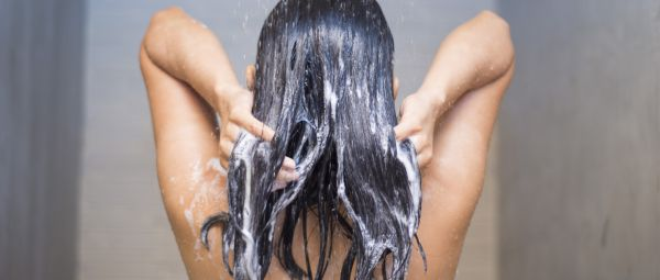You've Been Applying Shampoo The Wrong Way: 5 Steps To Wash Your Hair Correctly!