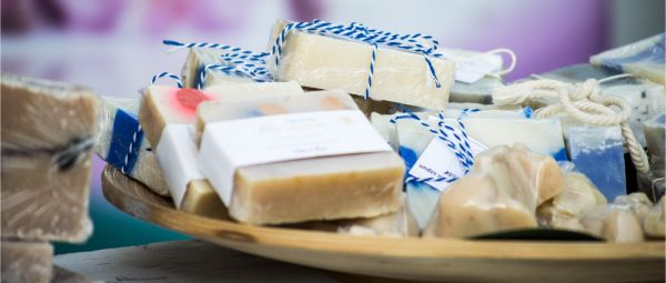 What's Better - Handmade Soaps Or Commercial Soaps? Let's Find Out!