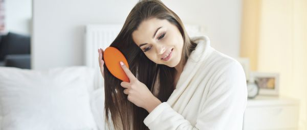 5 Hair Brushing Tips That Women With Gorgeous Locks Swear By!