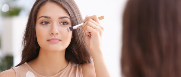 Beauty School: 5 Foundation Mistakes You're Making That May Cause Acne