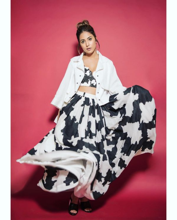 hina khan black and white dress