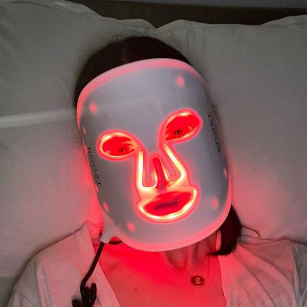 Red & Blue Light To Treat Acne