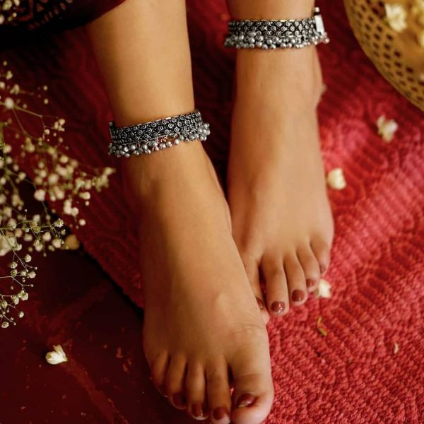 Simple Payal designs - Anklets in Silver