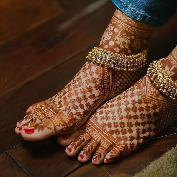 Simple Golden payal designs