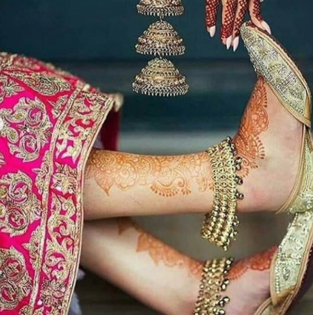 Golden heavy payals for bride