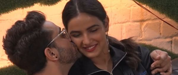 Wait, What?! Did Jasmin Bhasin And Aly Goni Just Confess Their Feelings For Each Other