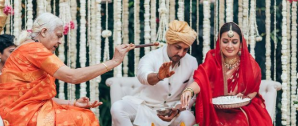Dia Mirza's Shaadi Rituals Were Conducted By A Priestess & That's How You Smash Patriarchy