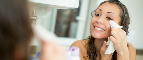 Alternative Uses Of Makeup Remover Wipes