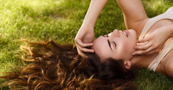 10 AMAZING Indian Shampoo Brands For Shiny, Gorgeous Hair!
