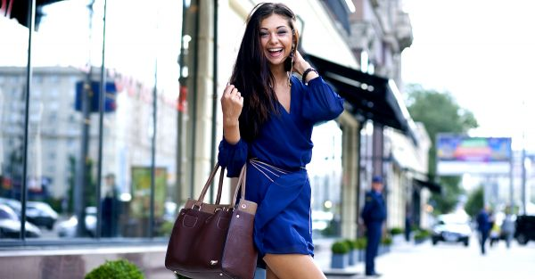 Sell Old Clothes Online And Buy New Ones - Know How and Where?