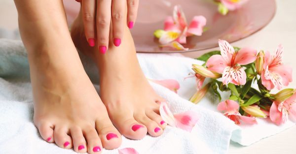 Get Pretty Feet At Home - 12 Pedicure Kits For Rs 500 Or Less!