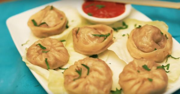 How To Make The *Yummiest* Paneer Momos At Home!