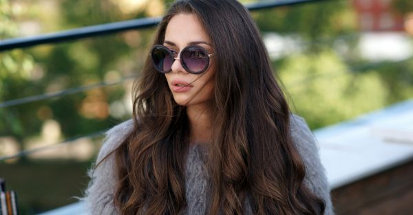 10 Home Remedies For Long & Strong Hair (Try These Now!)