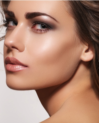 How to Use a Highlighter to Fake Gorgeous, Dewy Skin!