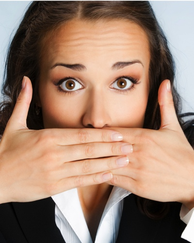 #Embarrassing: 10 Tips To Banish Bad Breath