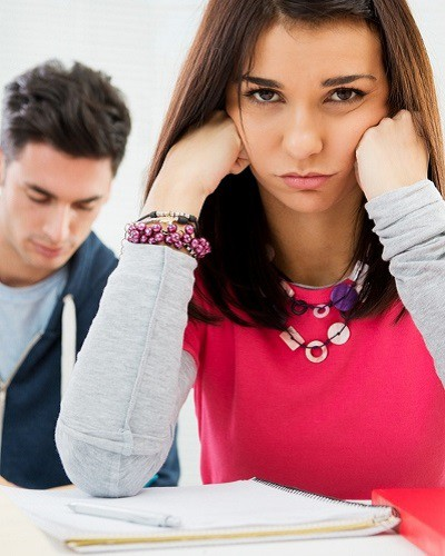#Awkward: 13 Problems of Being in the Same College As Your Ex!