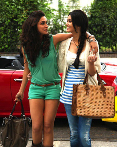 Girl Code: 9 Things You Should Never Do To Your Bestie!