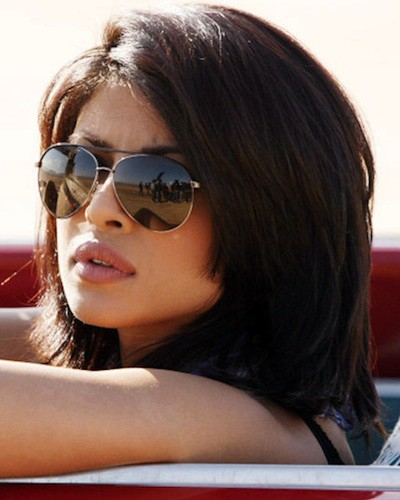 So TRUE! 14 Ways We ACTUALLY Use Our Sunglasses