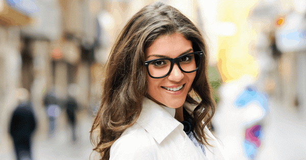 6 AMAZING Beauty Tricks For Girls Who Wear Glasses!