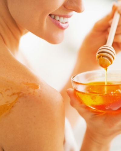 10 FAB Ways To Use Honey: Beauty Secrets From Your Kitchen?!