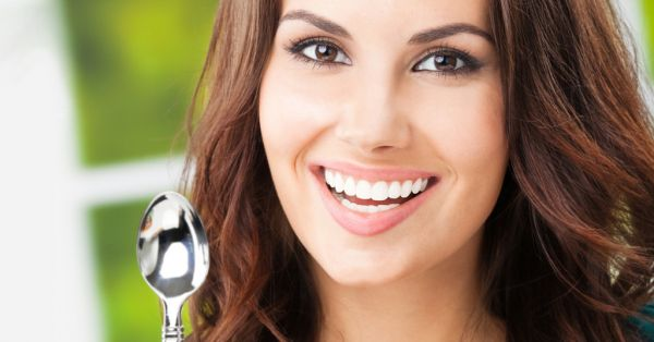 8 Life-Changing Beauty Tricks You Can Do With A SPOON!