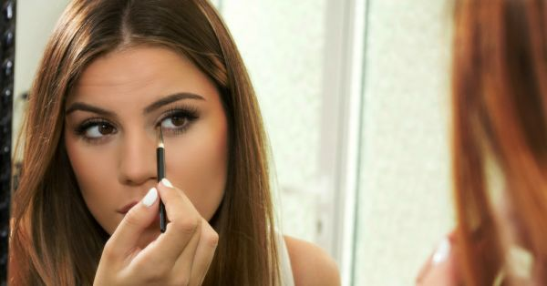 Tuesday Tutorial: How To Do The Double-Winged Eyeliner