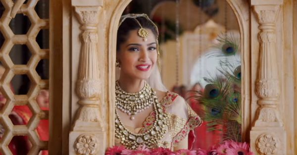 Here's How To Get Your Dream Lehenga Within YOUR Budget!