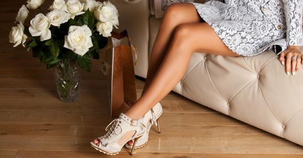 9 Pairs Of Shoes EVERY Girl Should Have!