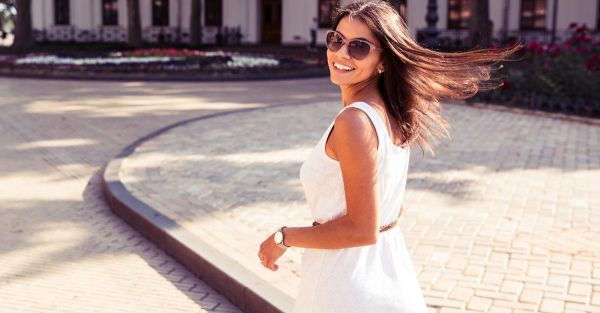 7 Styling Tricks To Make Your Arms Look Slimmer!