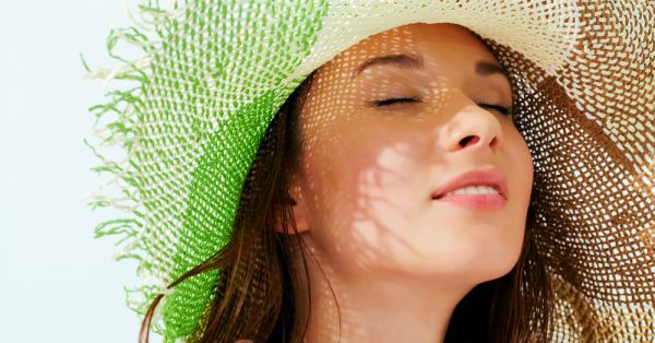 5 Simple Ways To Take Care Of Oily Skin This Summer!