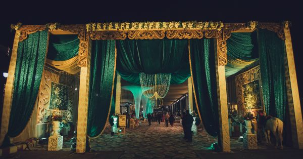 6 Pretty Ways To Decorate The Entrance Of Your Shaadi Venue!