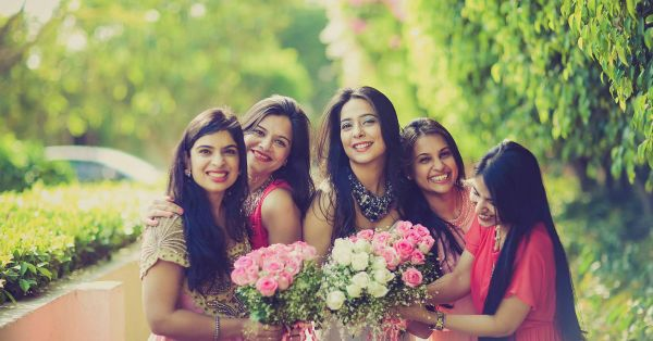 A Shoot With Your BFFs - The CUTEST Wedding Trend!