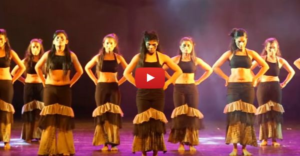 """This Belly Dance On """"Nagada Sang Dhol"""" Is *Incredibly* Amazing!"""