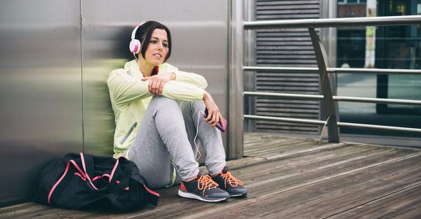 12 Things Your Gym Bag Should ​*Always*​ Have!
