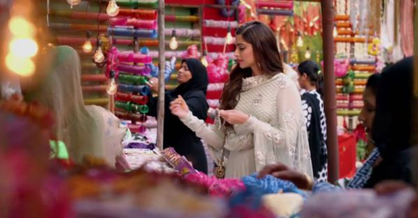 The Delhi Bride's Guide To Shopping At Chandni Chowk!